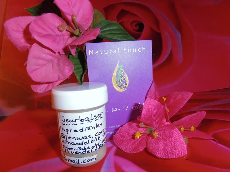 DIY Ingredienten  voor 20 gram Scented balm/ geur zalf:  10 gram Amandel olie/Almond oil  5 gram cocos olie/coconut oil  5 gram Bijenwas/beewas.  Synergie van 20 druppels EO:  Lavendel 7 dr, Bergamot 5 dr  Orange 8 dr. You can use  Aprox.25 drops of essential oils to 50 ml scented balm. naturaltouch4u@hotmail.com