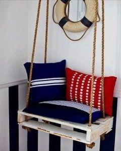 1. Sitt och dingla med benen i en Gunga gjord av en Lastpall.