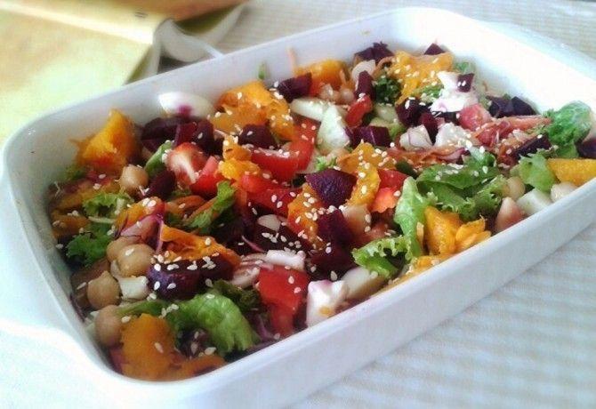 Laktató és változatos salátákkal simán jól lakhatunk, ha ezeket kínáljuk a sültek illetve rántott halak mellé - nem kell feltétlen sültkrumpliban vagy rizsben gondolkodni!