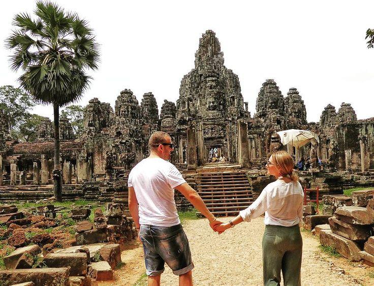 Las caras sonrientes de Bayon en Angkor Thom �������� #cambodia���� #angkorthom #sudesteasiatico #travelrepost #travelasia #photography #davidyjessicadescubriendoelmundo #instagood http://tipsrazzi.com/ipost/1519336936941231289/?code=BUVxOT0gxy5