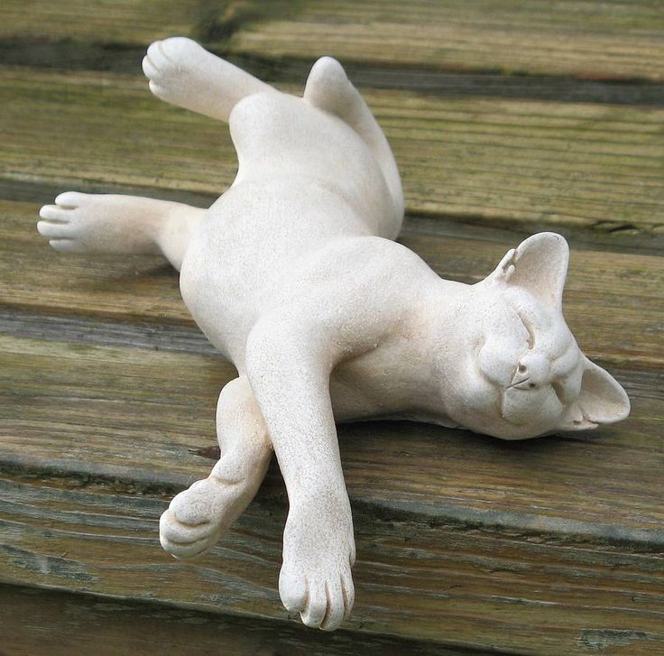 Cat Sculptures by Suzie Marsh - Would look adorable in a garden.
