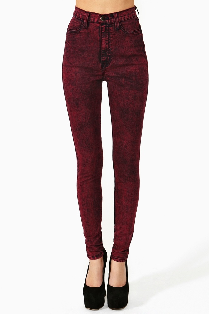 Hot Acid Skinny Jeans - Red i want these and i want to look like that in them.