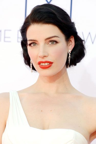 Emmy Awards 2012: Best in Beauty - Jessica Paré: Hair Ideas, Hairstyles Colors, Cat Eye, Jessica Pare, Jessica Paré, Celebrity Wedding Hairstyles, Hair Makeup, Hair Style, Waves Hairstyles