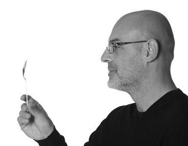 Alessio Carpanelli :: Designer di: - Nassa - Modulo 72 :: Spirito libero che lo porta a collaborare come freelance per diversi studi di architettura della città, progettando interni e sistemi espositivi, nel 2001 apre X.D-sign ed entra nel vivo del design industriale.