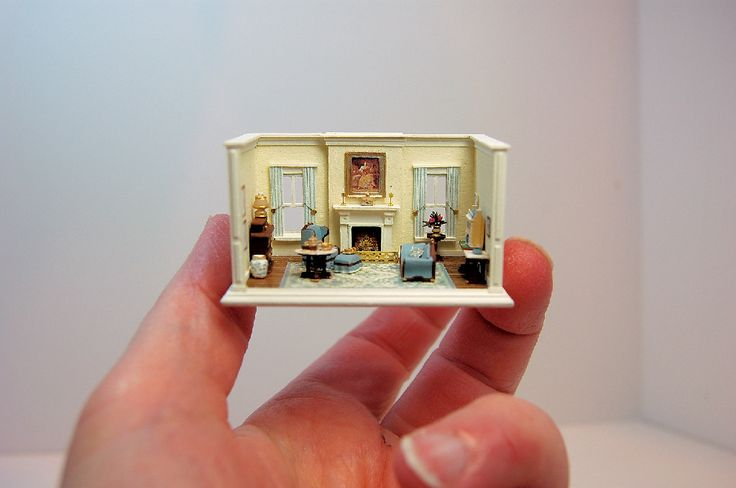 The Salon. A minimini by Nell Corkin.  They look like sore fingers!