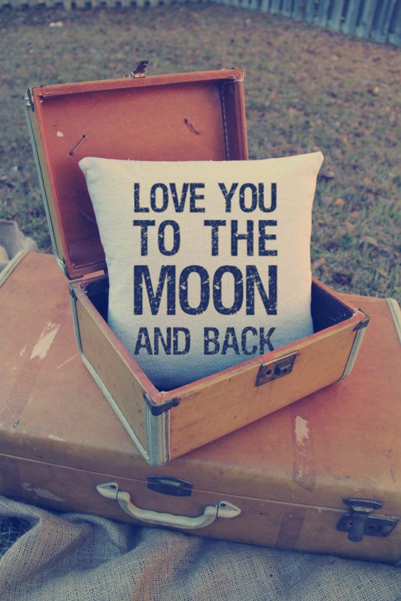 Custom Pillow  Love you to the moon and por VintageAffairStudio, $24.00