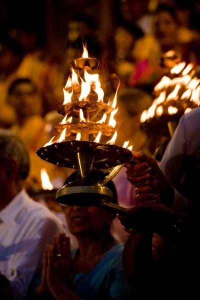 Divine Ganga Aarti & Yagna | Parmarth Niketan