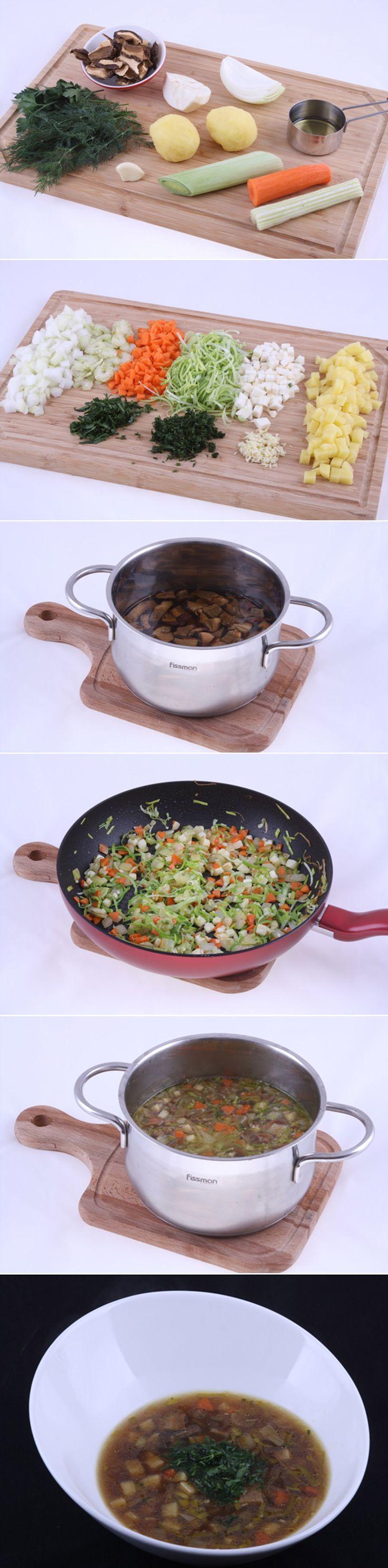 Вегетарианский грибной суп. Простой рецепт классического грибного супа. Невероятно аппетитный, очень вкусный и потрясающе ароматный грибной суп с сельдереем, чесноком и зеленью – постное овощное великолепие на вашем столе! Ингредиенты и способ приготовления блюда вы можете увидеть в...http://vk.com/dinnerday; http://instagram.com/dinnerday #суп #кулинария #грибы #вегетарианский #постное #овощи #еда #рецепт #dinnerday #food #cook #recipe #soup #mushrooms #vegetarian #vegetables #meatless