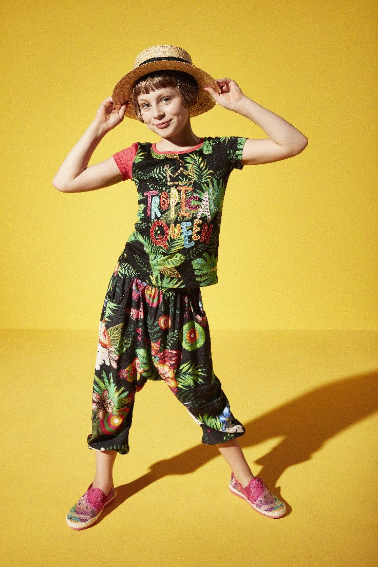 Pants Dinosaurio with a print colorful and summery!