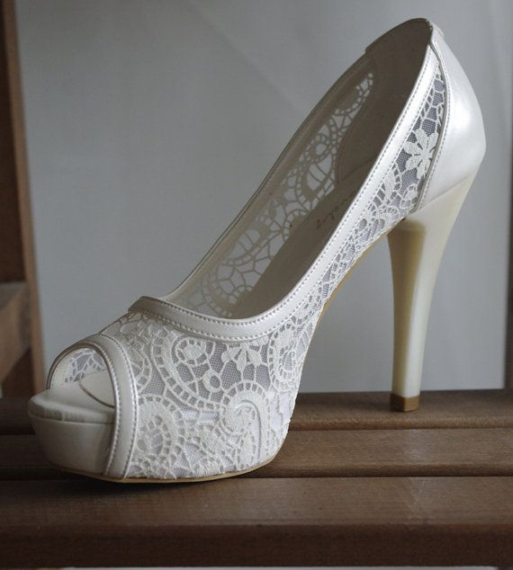 Lace wedding ivory shoe designed specially for you with my hand-knitted gift: Bridal wedding dance shoes slippers Cream Bridal Party #8616