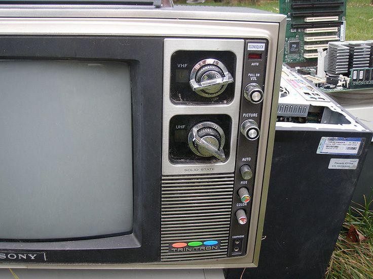 O meu Black Trinitron é ainda o melhor televisor para jogar em consolas pré-HD. Tenho saudades da Sony dos 80s/90s.
