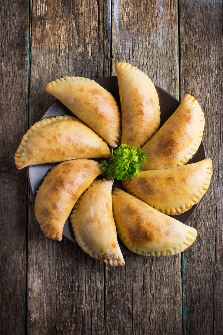 A découvrir sur notre blog : une recette d'empanadas au boeuf épicé accompagné de son cocktail Black Velvet. Menu idéal pour la fête des pères !