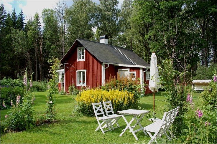 A quite traditional Swedish red cottage, with the natural relaxing sense of free time and summer. Something that many swedes will recognize.
