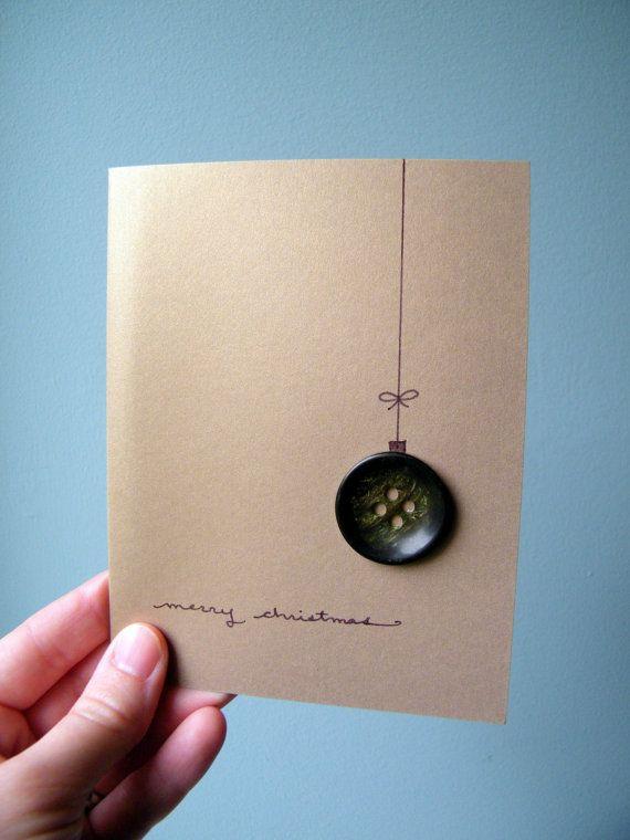 Diese schönen gold Card ist der perfekte Weg schicken Urlaubsgrüße in dieser Saison. Merry Christmas handgeschrieben und es gibt ein charmanten einsame grüne Taste-Schmuck. Innen ist die Karte leer für Ihre herzliche Botschaft schreiben.    Diese Karte ist versandfertig und kommt mit einem Umschlag. Wenn mehrere meiner Karten Ihre Aufmerksamkeit erregt haben verfasse ich eine benutzerdefinierte bestellen für Sie mit den Karten Ihrer Wahl oder machen Sie mehr aus einem bestimmten Design, die…