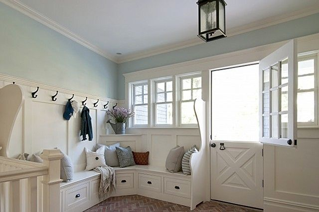 great mud room/entry http://www.homebunch.com/pinterest-fuel-neutral-rooms/