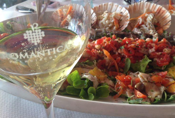 Seafood in Misano Adriatico with a wonderful Romantica Satèn