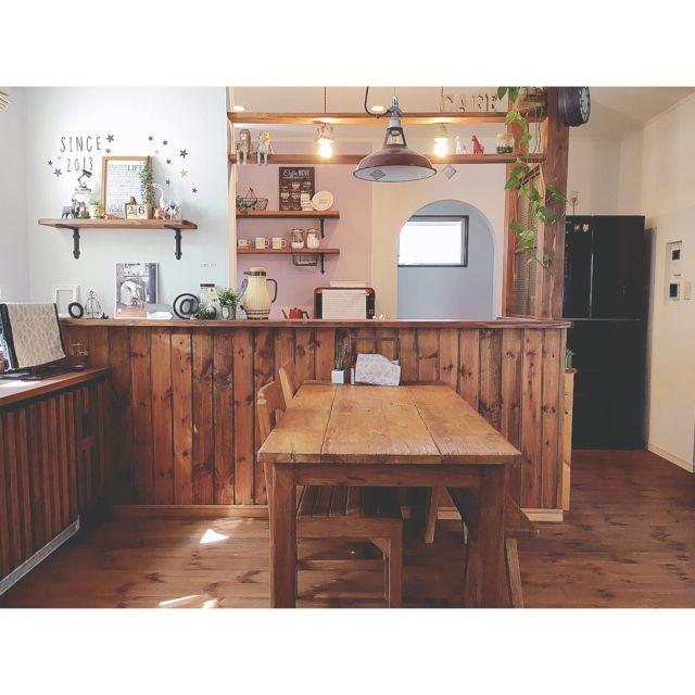 Reiyaさんの、My Desk,ダイニングテーブル,カフェ風,板壁,ペンダントライト,パイン材,塗り壁,無垢材,自然素材,お星さま,小さなお家,old maison,ミックスインテリア,オールドメゾン,シラス壁,柿渋塗装についての部屋写真