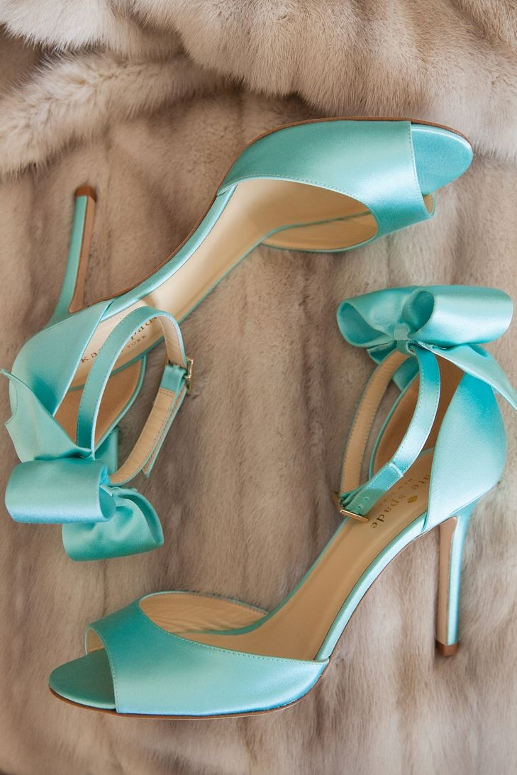 tiffany blue wedding shoes aqua blue kate spade heels richard and tara photography 8002