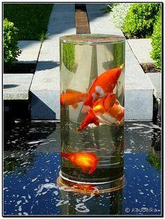 Der fertige Fischturm im Teich