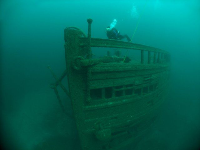 Lake Erie Shipwrecks Photos...my Dad's old boat sank in Lake Erie...wonder if it's one of them