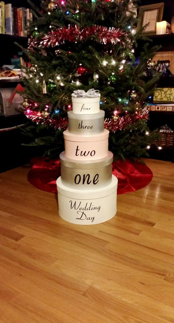 Wedding Countdown Advent Calendar Countdown, in the form of a wedding cake?! Yes please!