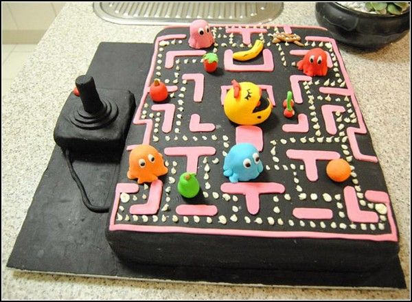 Figure Of Fun: Funny Birthday cake in the style of Pac-Man