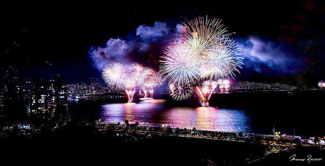 Fireworks / 00:07, Happy New Year