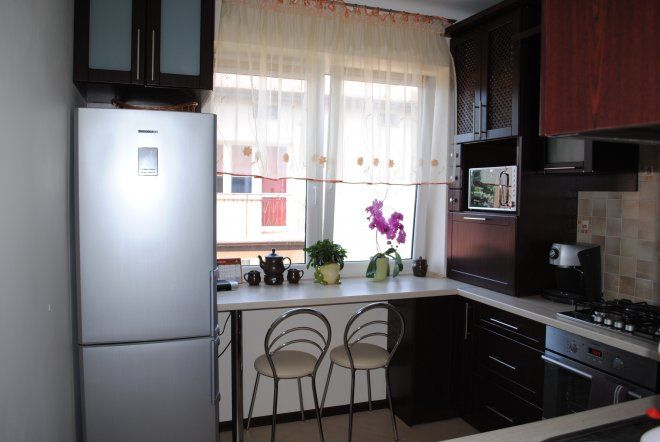 дизайн маленькой кухни фото 6 кв.м с холодильником