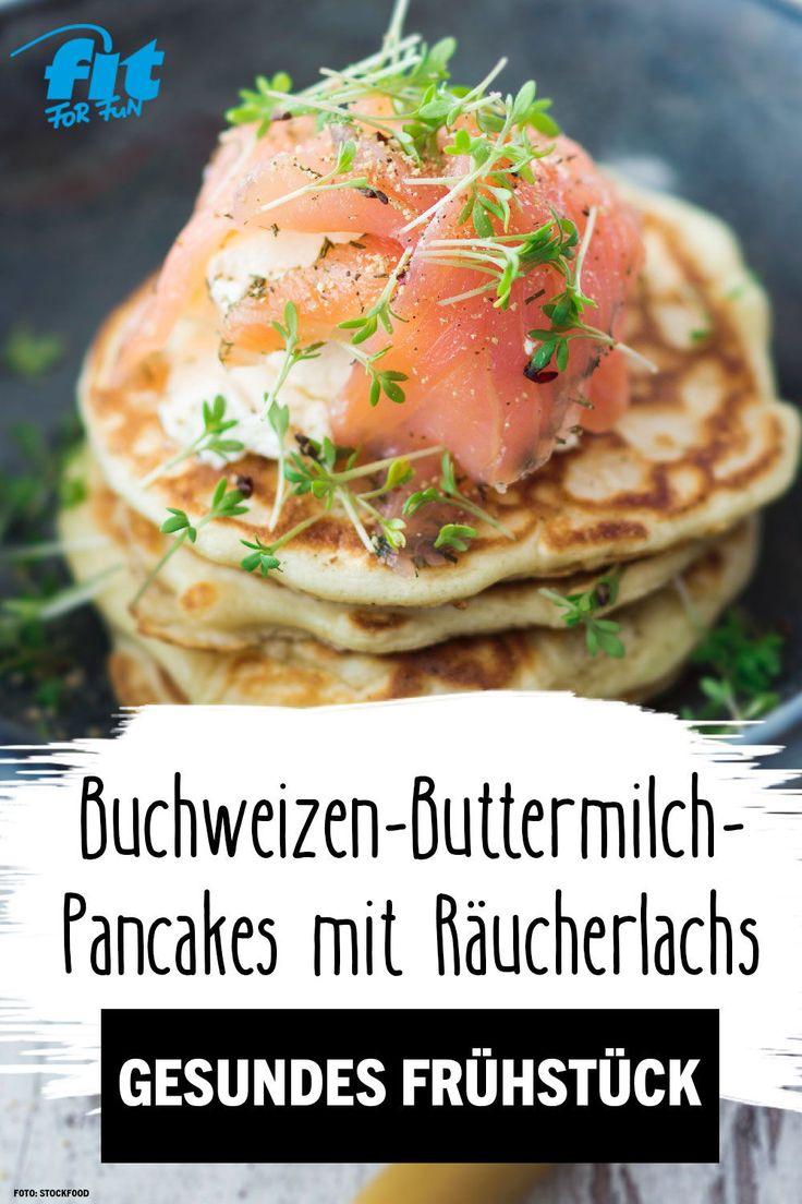 Buchweizen-Buttermilch-Pancakes mit Räucherlachs