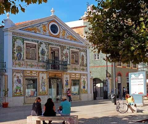 Edif. Viuva Lamego - Lisboa - Portugal ( retirado da net ).