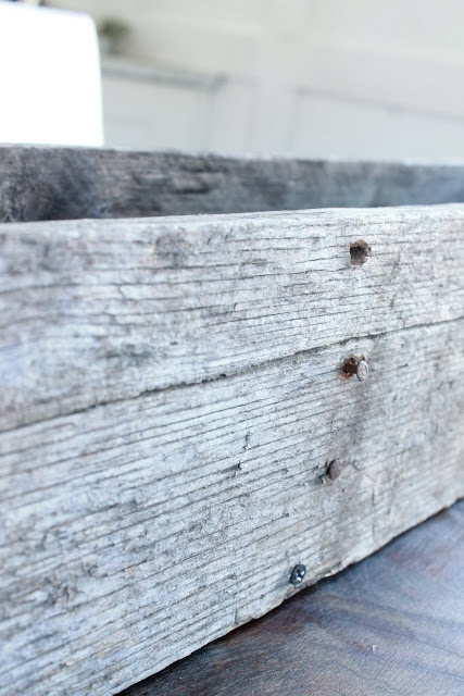 DIY Pallet Flower Box - has cute easter setting in this blog post