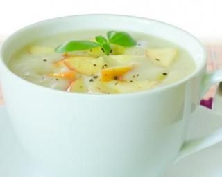 Soupe ultra light aux pommes et à l'oignon