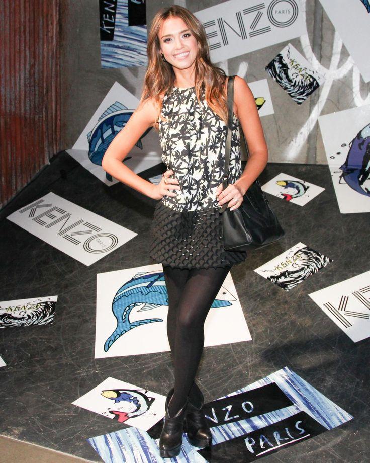Jessica Alba asistió  en Los Angeles a Kenzo Kalifornia fiesta de lanzamiento en el bordado de palma turno impresión perforada de la colección de la marca Resort 2014.