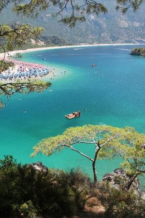 """The Blue Lagoon"" Oludeniz, Turkey - http://www.traveltofethiye.co.uk/explore/attractions/oludeniz-blue-lagoon/"