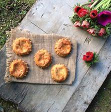 Το απόλυτο κυκλαδίτικο πασχαλινό γλυκό που θα δοκιμάσετε σε μικρές παραλλαγές σε Μύκονο, Σύρο, Σαντορίνη, Σίφνο
