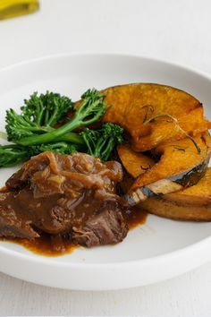 mirjam's Braised Steak and Onions has our mouths watering and tummies rumbling.