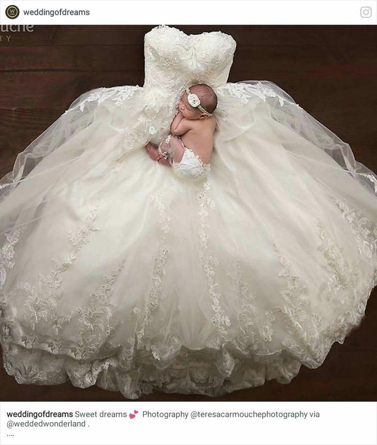 Niedlich Hochzeitskleider Für Babys Bilder - Brautkleider Ideen ...