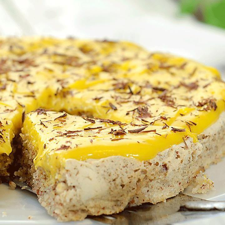 Gul krem til kaken trenger ikke nødvendigvis å være vanskelig. Med Fru Timians idiotsikre metode for gul krem er du garantert suksess!