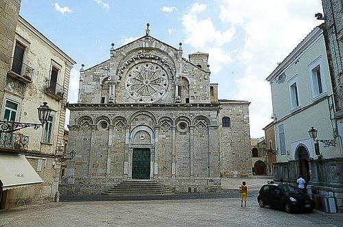 Cattedrale da piazza Giovanni XXIII Troia Foggia Puglia     #TuscanyAgriturismoGiratola