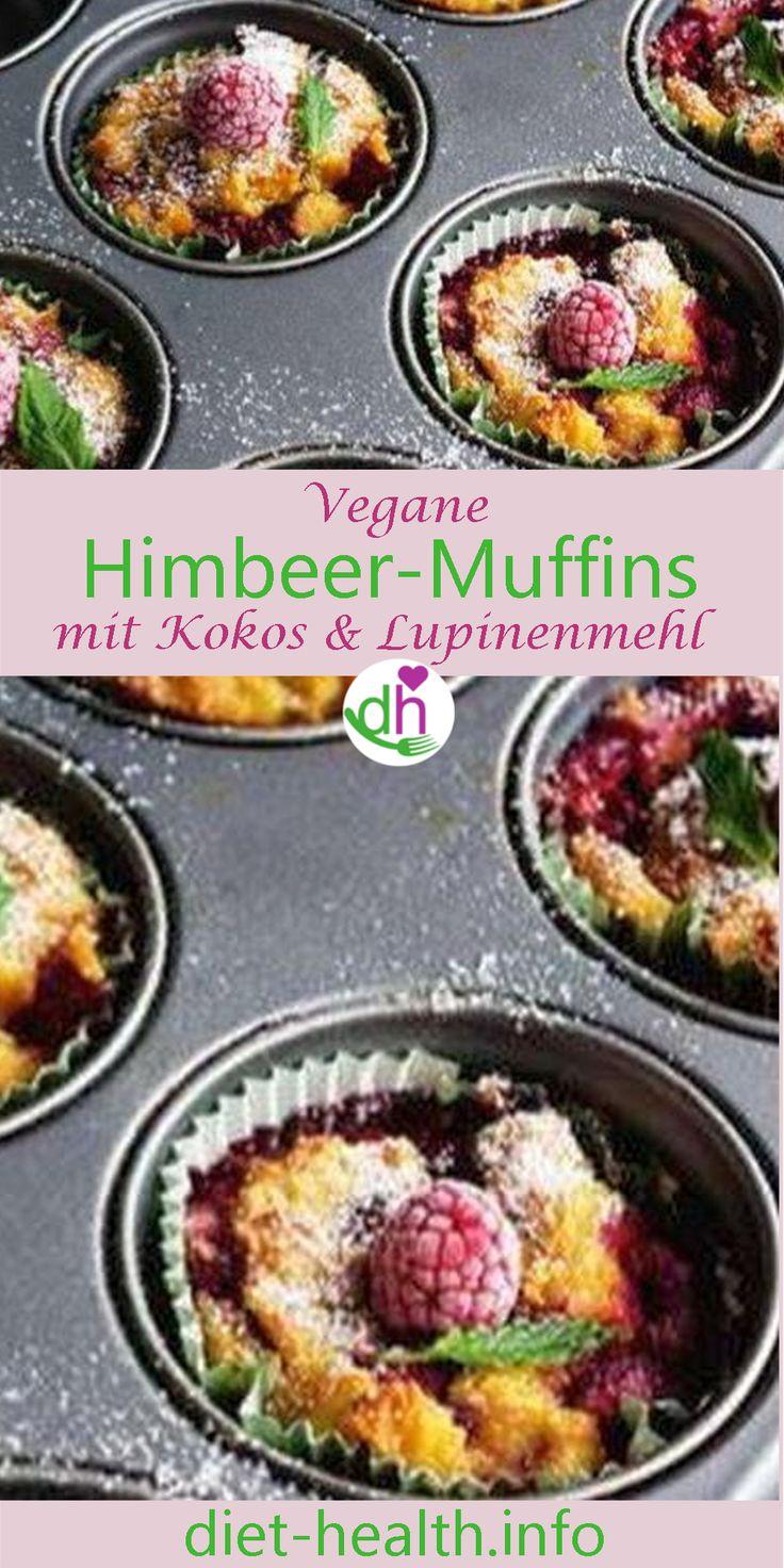 Haben Sie Lust auf beerige Muffins? Diese köstlichen Kokos-Himbeer-Muffins sind wunderbar saftig und gelingen ganz ohne zugesetzten Zucker oder glutenhaltiges Getreide! Stattdessen bildet Lupinenmehl mit seinem basischen Eiweiss die Grundlage! #vegan