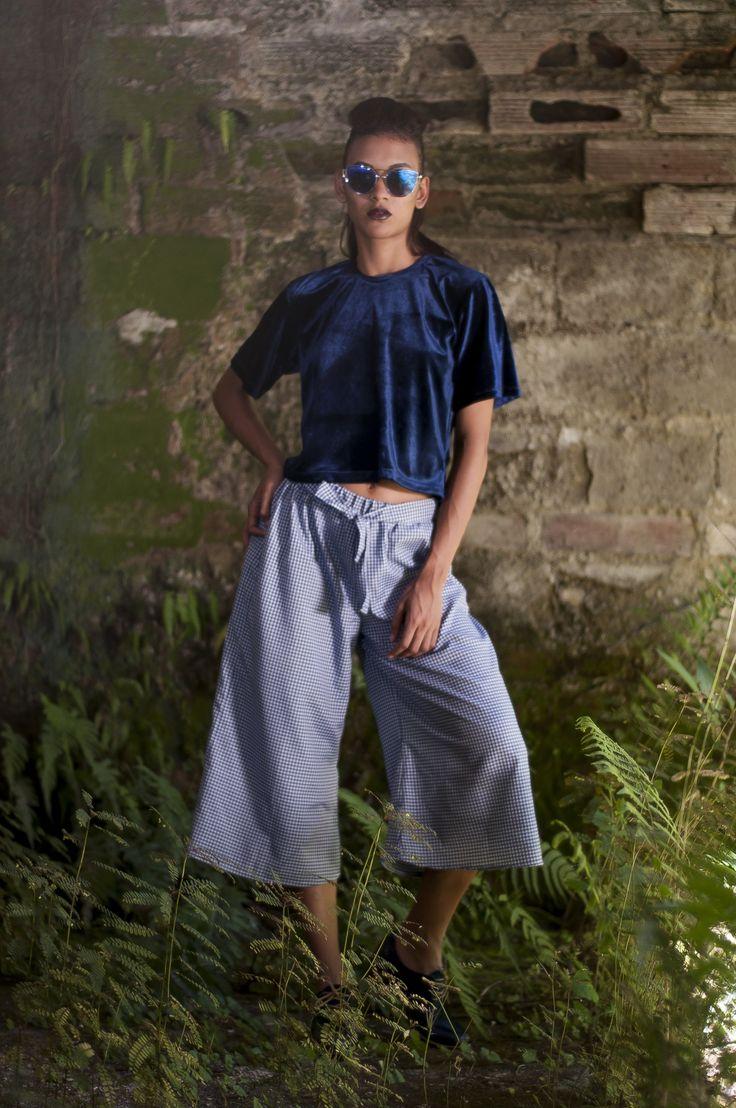 Culotte vichy + camiseta cropped de terciopelo