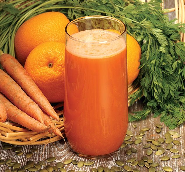 2 laranjas (suco)  ½ cenoura crua ralada  1 colher de sopa de óleo de coco