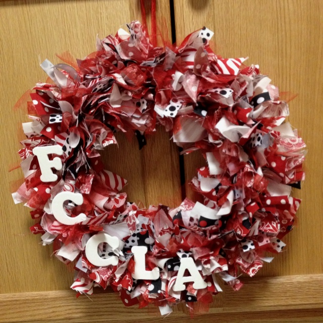 FCCLA Wreath. This would be a fun addition to my red and black room!