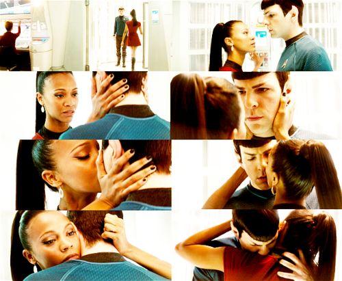 Spock Uhura 2009