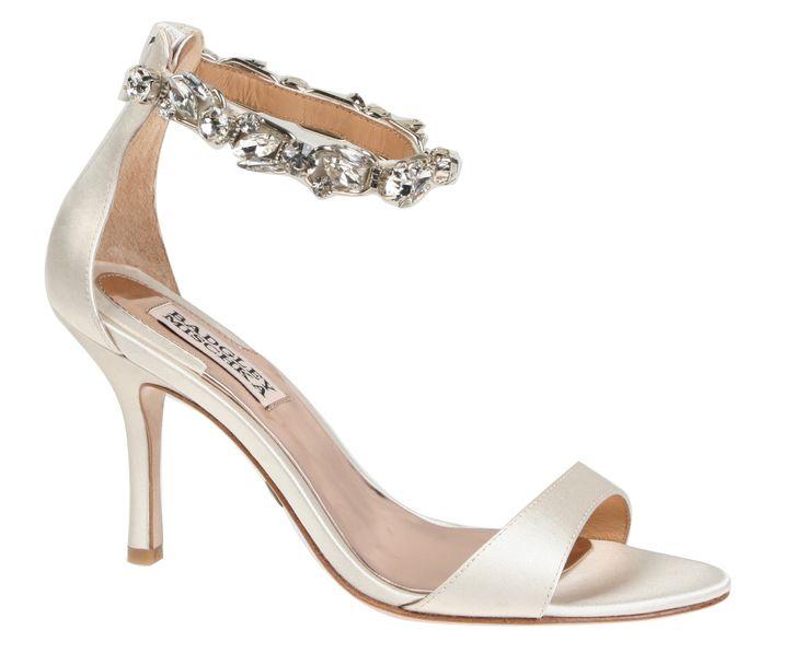 Wedding day inspiration from Kleinfeld Canada: Badgley Mischka shoes, Clark II Ivory Satin