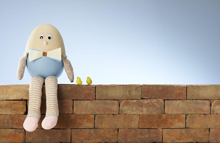 Humpty Dumpty sat on a wall... #eastercraft #kidseastermakes #eggdecorating #nurseryrhymes