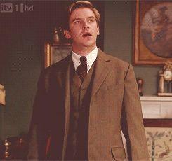 """FINALLY!   How It Felt Watching Season 3 Of """"Downton Abbey"""" As Told By """"DowntonAbbey"""""""