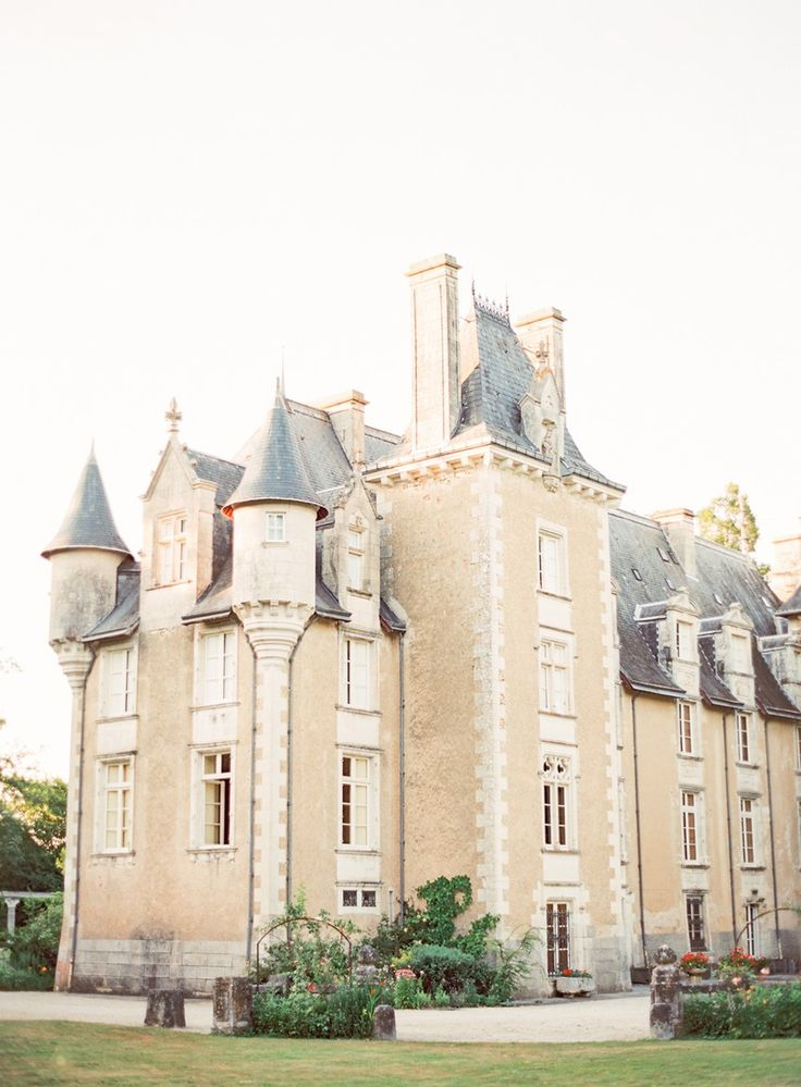 Timelessly Romantic French Chateau Wedding Inspiration