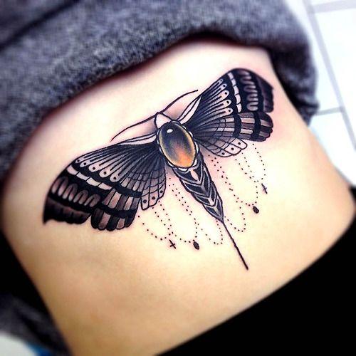 Tatouage bijou papillon chrysalide magnifique                              …