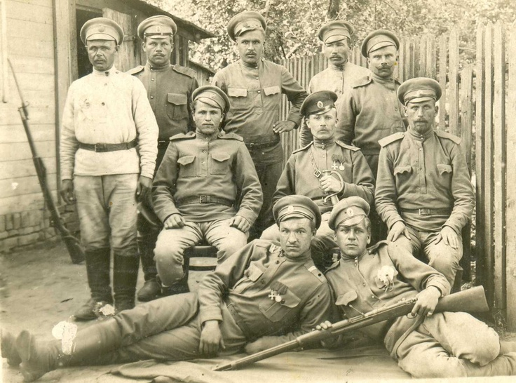 Russian WWI 19 Siberian Rifle Reg Soldiers w St George Orders Medal Rifles Photo-photos_231011_7a